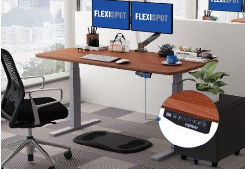 FlexiSpotデスク使用イメージ